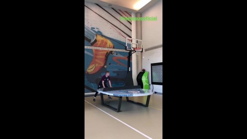Зинченко vs Габриэль Жезус