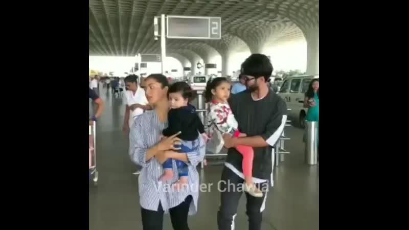 Шахид с семьей в аэропорту (15.05.19)
