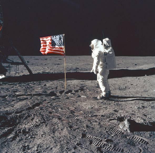 ...на случай гибели членов лунной экспедиции