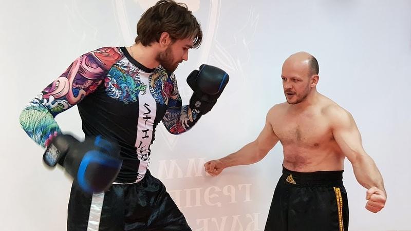 Боксеры уничтожают турникмена Непробиваемый пресс