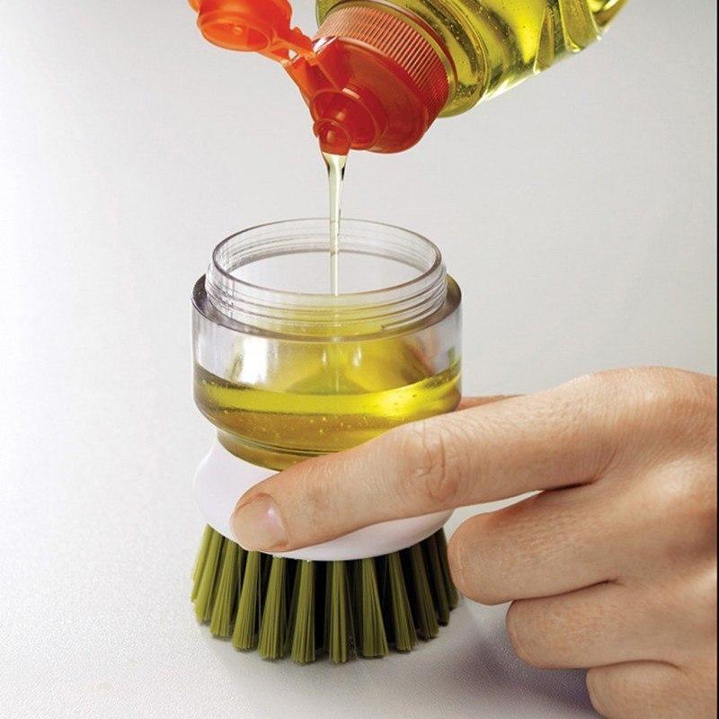 Щетка для мытья посуды с емкостью для моющего средства