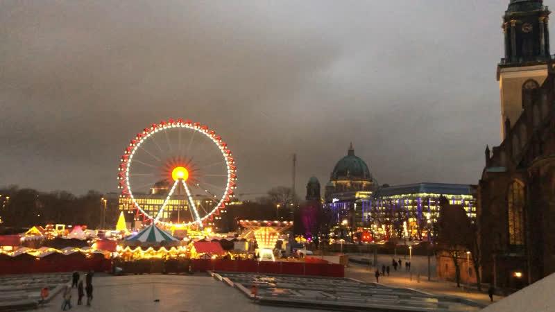 Рождественская ярмарка alexanderplatz.
