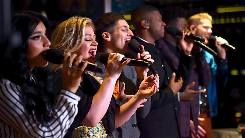 Kelly Clarkson Pentatonix - Grown Up Christmas List (Live)