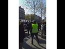 Acte 22 Paris des gendarmes enlèvent leurs casques ayant refusés de vider la place