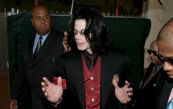 C молча убрала из эфира песни Майкла Джексона
