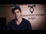 Matthew Daddario has some tips on how to dress up as Alec Lightwood for Halloween.