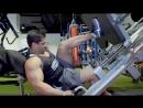 Жим ногами на тренажере Hammer Strength