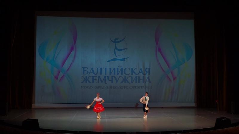4 Образцовый танцевальный коллектив Крещендо Дуэт Листунова Елизавета и Бадретдинов Дмитрий Тарантелла