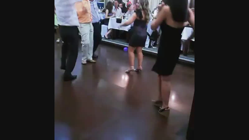 Давайте потанцуем))👍🍓👏🌸👌😘))