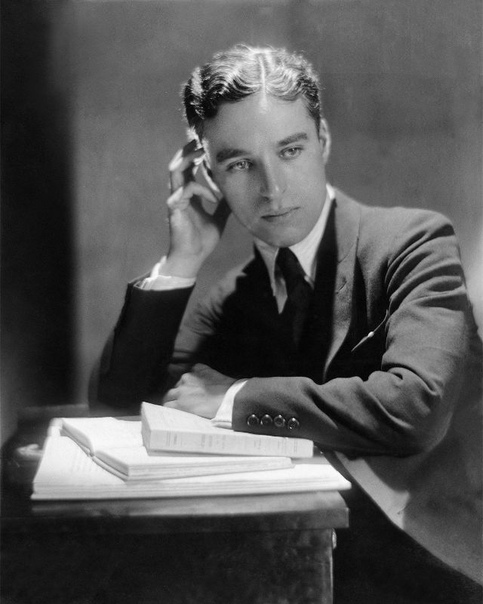 Портрет Чарли Чаплина для журнала Vanity Fair.