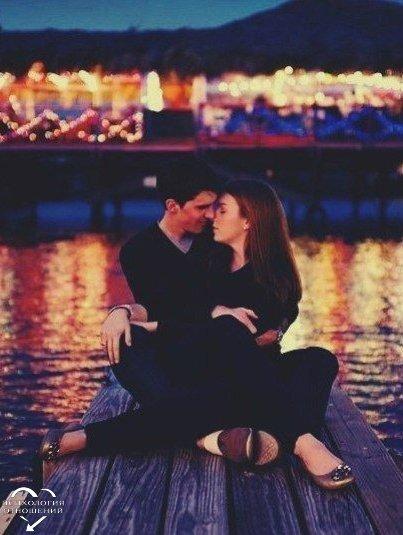 Знаете почему долгие отношения стали редкостью? Потому что разговоры превратились в переписки, поступки превратились в звонки, чувства в статусы online, секс стал легкодоступным, слово «любовь» выбрасывается из контекста, неуверенность затмевает все, ревность переросла в привычку, доверие потеряно, обман стал нормой, расставание стало единственным выходом и чувство боли стало естественным!