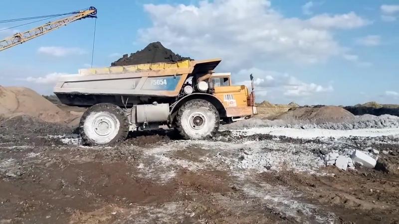 Полноприводный Самосвал МоАЗ-75054-40. Карьер. Бездорожье.