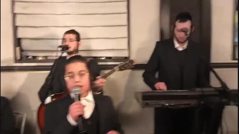 שלום סאאל זינגט ביי א וואכנאכט מיט דובי מייזעלס - Shulem Saal Singing With Dovi Meizels