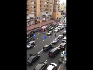 В Киеве взорвалась машина