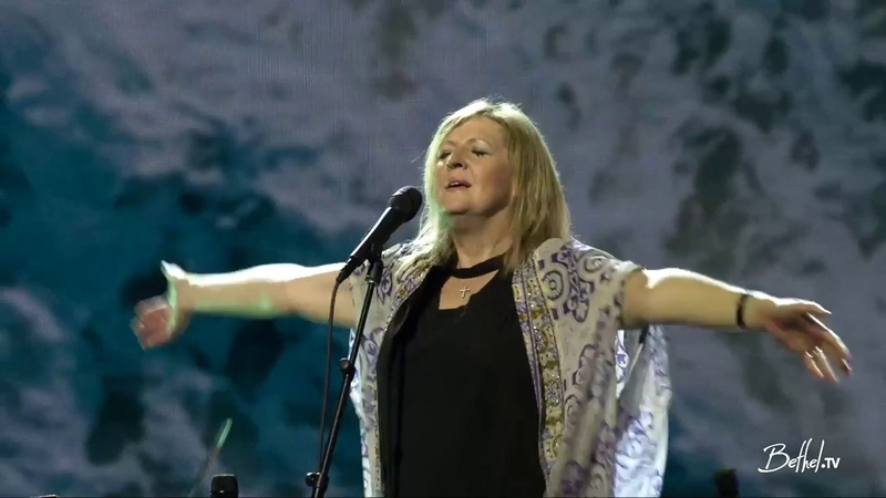 Darlene Zschech - Bethel Music/ Daylight No longer slaves Surrounded (fight my battles)