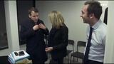 Macron se fait disputer par sa m