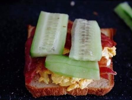 Яичные сандвичи к завтраку