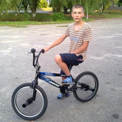Владислав Гринь, 4 мая 1998, Нежин, id192074282