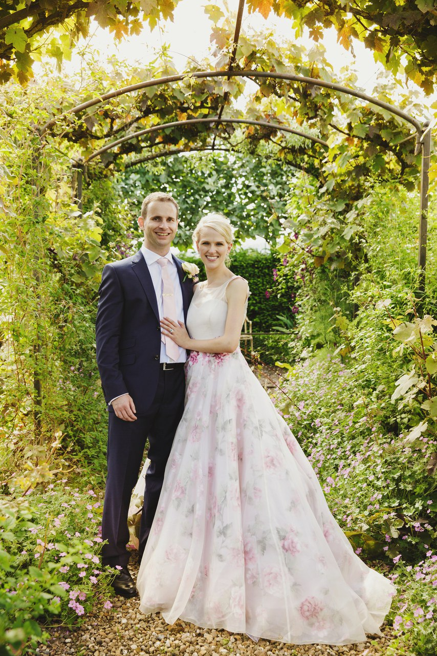 tvL5yB9vtOM - Цветное платье невесты