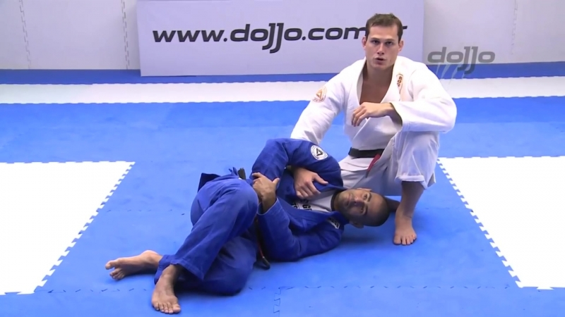 Roger Gracie - kimura to choke from the back