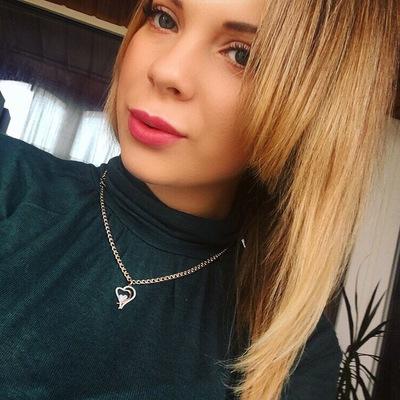 Юленька Дольникова