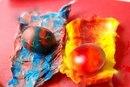 Окрашиваем пасхальные яйца в необычные цвета
