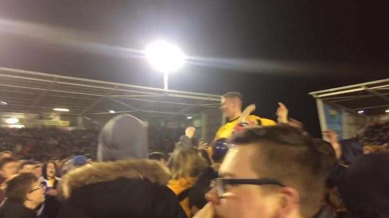 Реакция команды и болельщиков Шрусбери Таун на выход в финал Кубка АФЛ