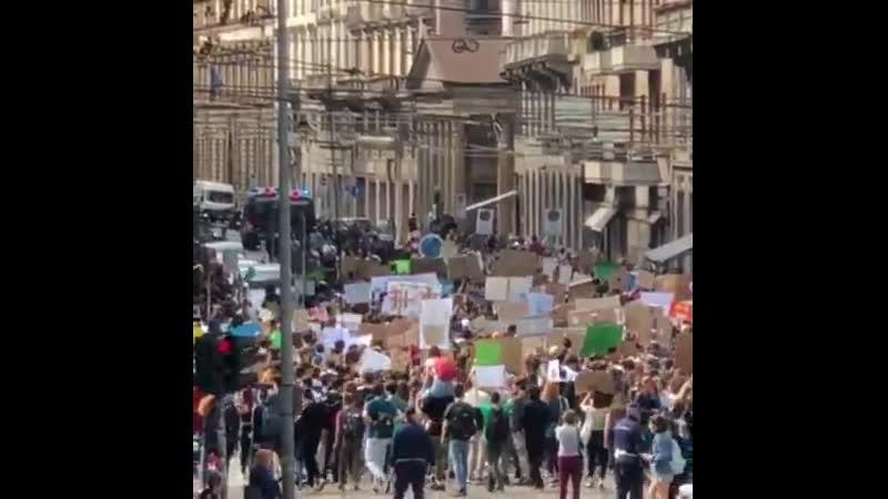 Italy, Milan! 24 May Global Climate Strike | FridaysforFuture