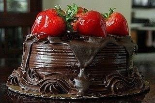торт, шоколад, еда, клубника - картинка 44355 на Favim.ru.