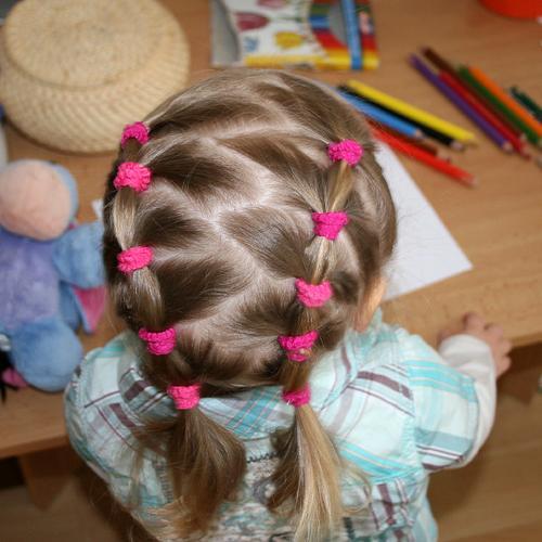 Прически для девочки в детский сад на каждый день пошаговое