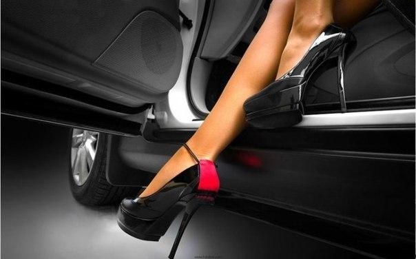 Любительницы каблуков: как ухаживать за ногами