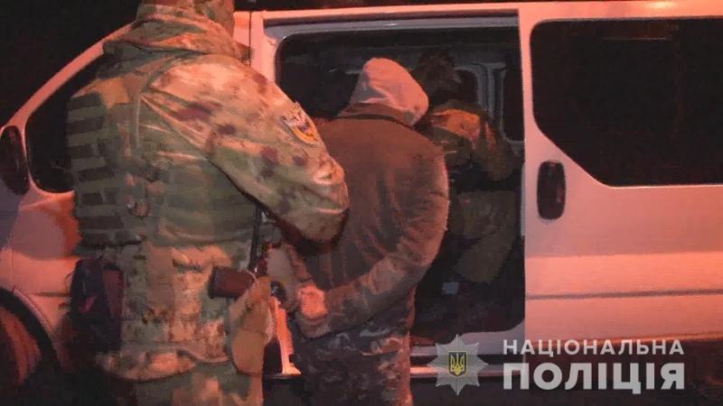 Відпрацювання Одеси в дії поліцейські затримали групу вимагачів