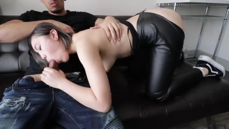 Дерет милую кореяночкду [Секс,трах, all sex, porn, big tits , Milf, инцест, порно,Ебля.мать.czech]