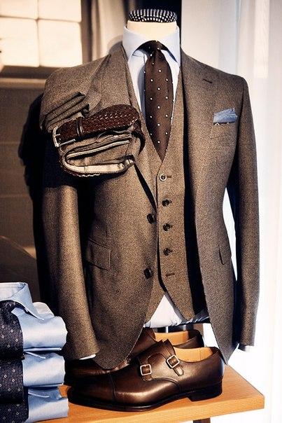 ملابس سهرة رسمية كلاسيكية