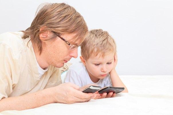 Сидите с ребенком? Отложите телефон!
