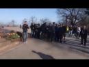 Одесса. 10 апреля, 2018. У памятника Неизвестному Матросу.