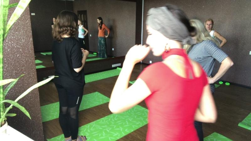 Йогатерапия и Пластика тела регулярные занятия Live