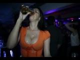 Как девушке правильно пить пиво!_How to drink beer girls