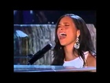 Alicia Keys ft Jamie Foxx – If I Ain't Got You (Grammy 2005)