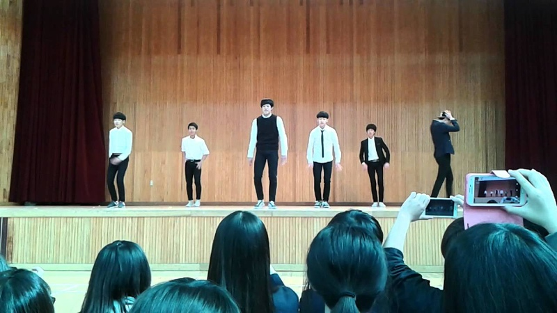 Pre-Debut Gyehyeon Cover Dance EXO-Growl. Gyehyeon still in Middle School grade 9 in 2014. - - link