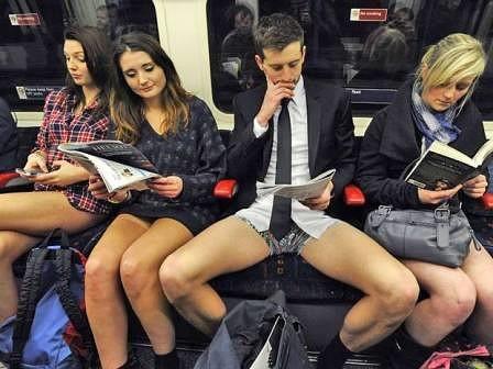 Самая раздражающая привычка в мире – мужская раскоряка. Стоит отправиться куда-то на общественном транспорте – и вмиг понимаешь, о чем речь. Мужчина зачем-то расставляет ноги так широко, как будто высиживает огромное яйцо. Или как будто его собственный яй