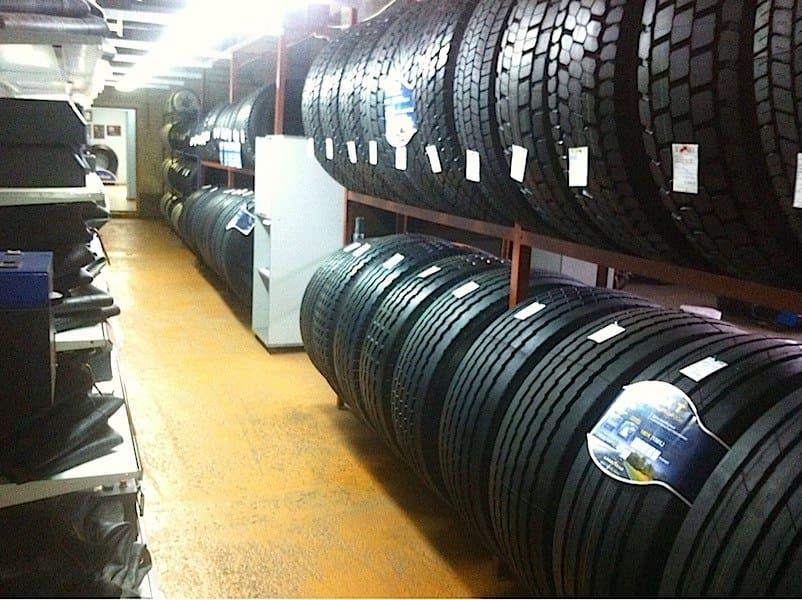 Огромный выбор шин в Шинном центре МВБ. 136 км трасса М5 Урал, Луховицы. Придорожный комплекс МВБ.