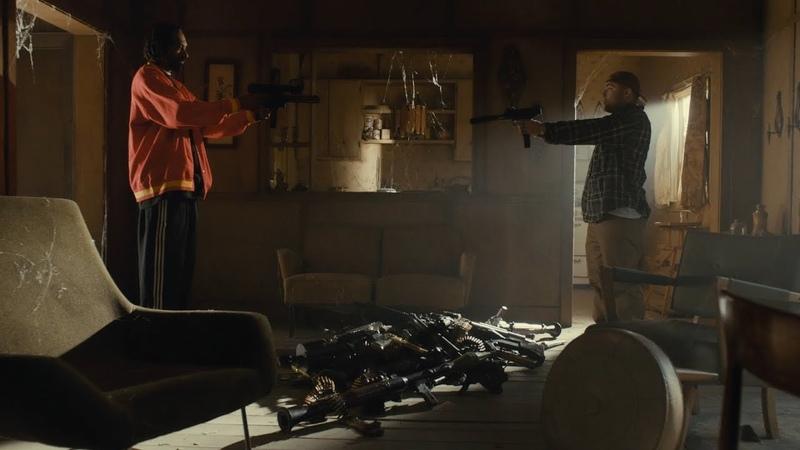 Мы что обкурились ? Лучше опусти пушку ► Очень страшное кино 5 (2013)