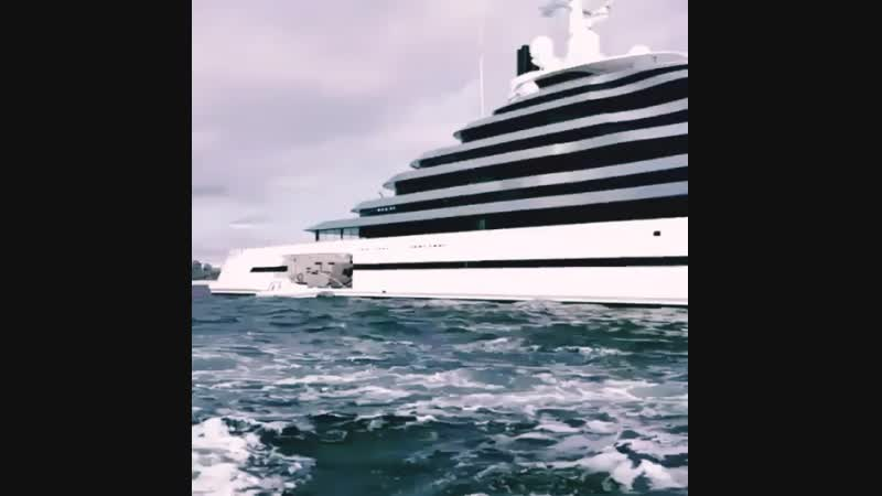 Яхта AMG