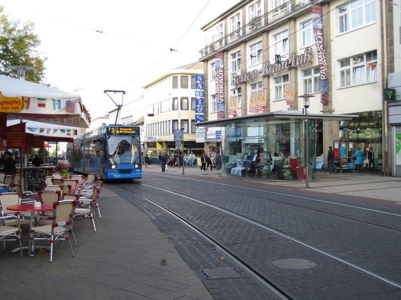 pedestrian-zone-tram-bicycle