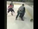 драка с судьей в хоккее