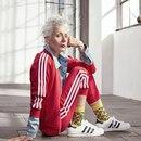60-летняя Сара-Джейн Адамс против модных стандартов. Как вам?