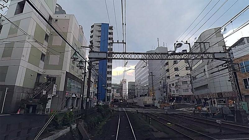 Train Driver's View Cab Ride Romancecar/電車のドライバの運転台に乗り特急ロマンスカー/Япония,Токио. Вид из кабины машини