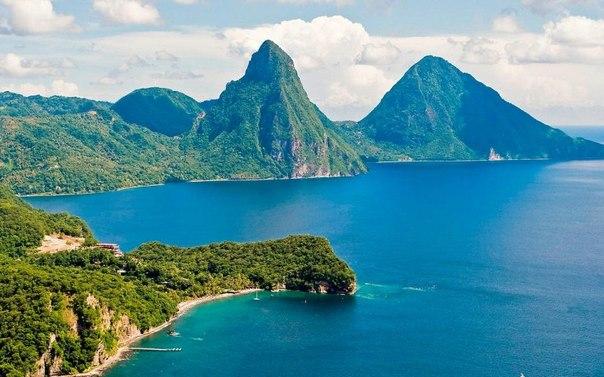 Сент Люсия, роскошный тропический остров и одноименная страна, входящая в состав Карибского Архипелага.