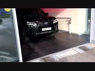 Выдача Lexus LX.mp4